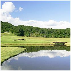 大自然の中に、3つの宿泊施設、癒しの施設、農園やスポーツ施設が贅沢に点在しています。