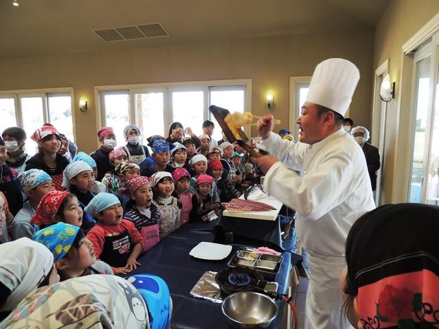 勝浦ロータリークラブ様主催「料理教室」が開催されました。
