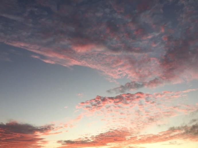 「 ~ 茜色に染まる雲 ~ 」