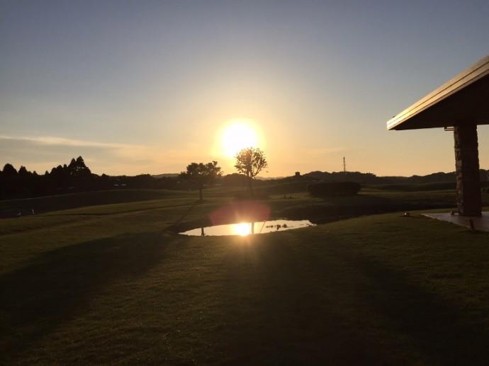 「5月22日 ~ センタープレイスから見える朝陽 ~ 」