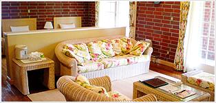 全室スウィート級の広い客室写真